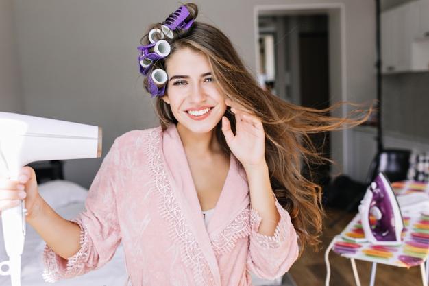 Cómo establecer la rutina para el cuidado del cabello