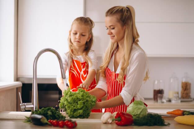 Cómo lavar y desinfectar la fruta y verdura de forma correcta