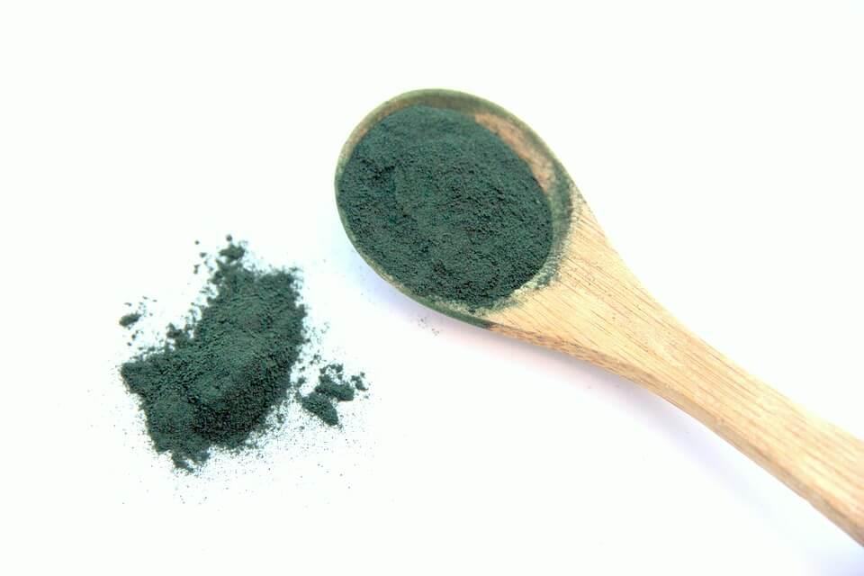 Espirulina: 8 razones para tomar y adelgazar con el alga verde favorito de los astronautas y atletas